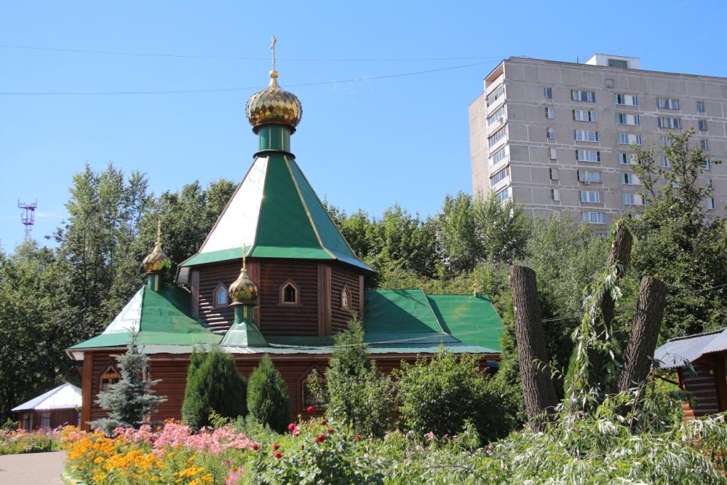 http://troitza-chertanovo.ru/images/fotogallery/2014/stroitelstvo_novogo_hramovogo_kompleksa_19.07.2014/01.JPG