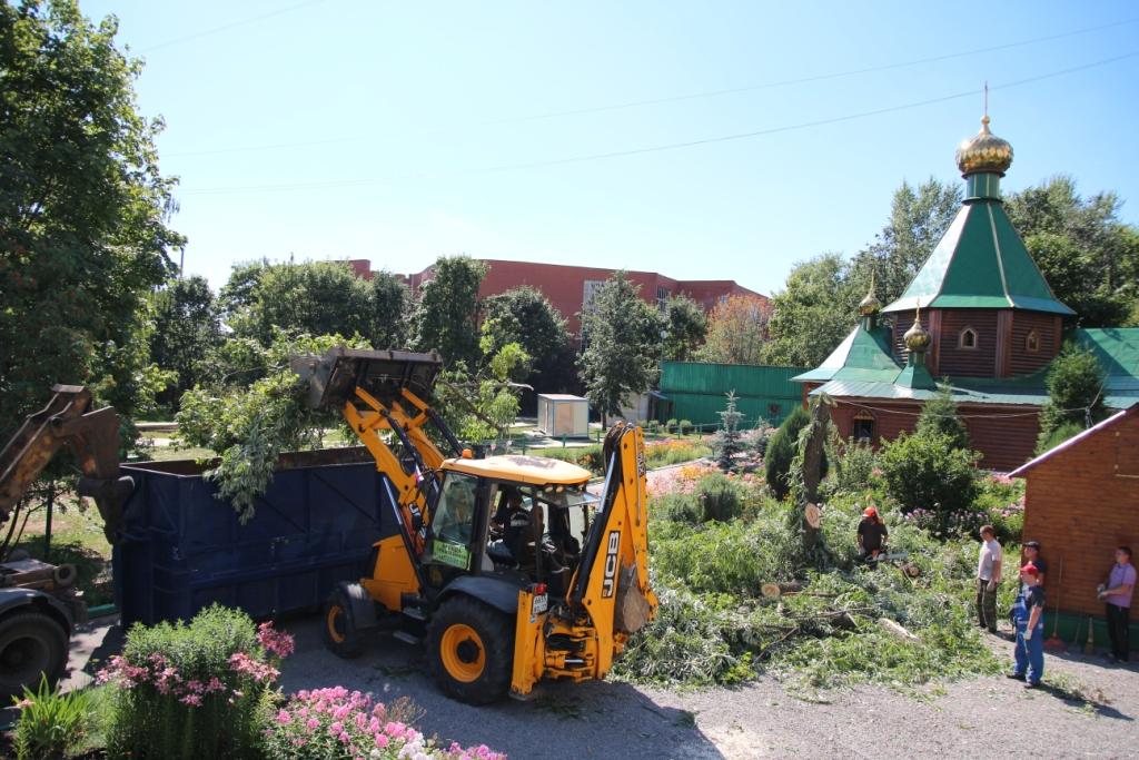 http://troitza-chertanovo.ru/images/fotogallery/2014/stroitelstvo_novogo_hramovogo_kompleksa_19.07.2014/09.JPG