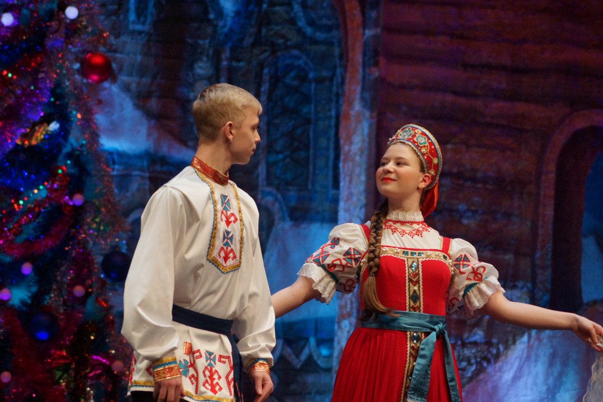 http://troitza-chertanovo.ru/images/fotogallery/2015/01/rozhdestvenskij_fetival_11.01.2015/DPP_23.JPG